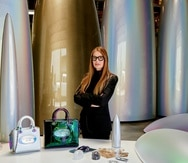 """Varias piezas de la artista, quien ha colaborado con la marca Dior, formarán parte de la nueva muestra """"Alianzas contemporáneas"""", que abre este jueves en la galería de Walter Otero, en San Juan."""