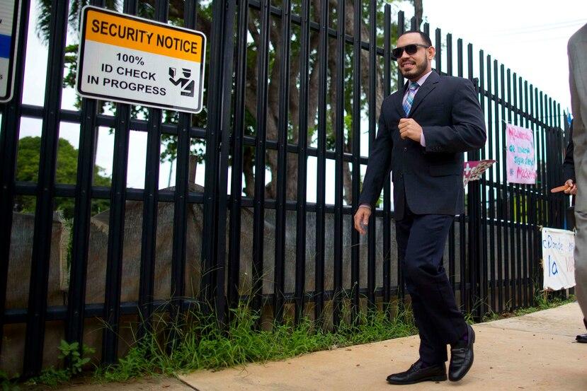 Uno de los acusados, Glenn Rivera, a su llegada al tribunal.