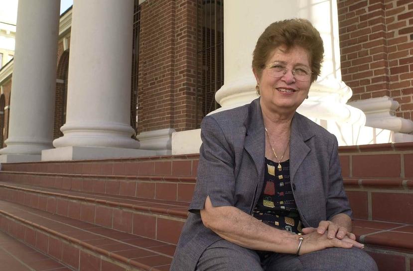 María Emilia Somoza frente al Museo de Arte Contemporáneo en el año 2002. (GFR Media)