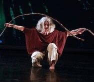 La bailarina y performera puertorriqueña Merián Soto explora en su nueva pieza las danzas con ramas.