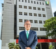FirstBank completa adquisición de Banco Santander Puerto Rico
