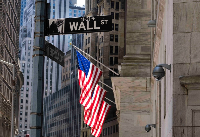 Cinco minutos después del inicio de las operaciones en la Bolsa de Nueva York, el Dow Jones perdía 52.33 puntos hasta los 26,217.56 enteros.