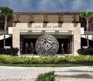 La operación del Foxwoods El San Juan Casino y el icónico salón Tropicoro comenzará en diciembre. En la foto, el exterior del   Fairmont El San Juan Hotel renovado recientemente.