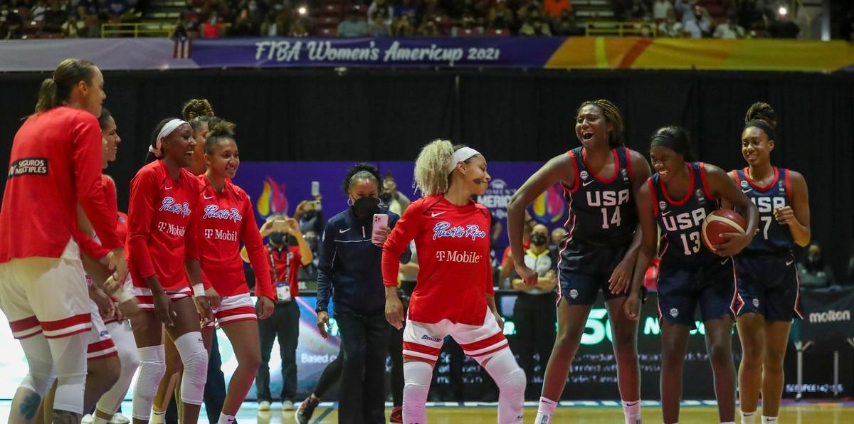 Las jugadoras aprovecharon la pausa para realizar una amistosa competencia de bailes. En el medio, Dayshalee Salamán demuestra sus dotes de bailarina.