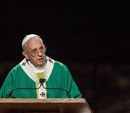 El papa Francisco fue despedido en el aeropuerto JFK por miembros del clero neoyorquino y un grupo de monjas.