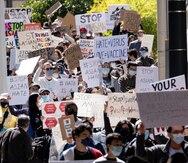 Cientos de personas protestan en Atlanta para exigir justicia para las víctima de los tiroteos de esta semana