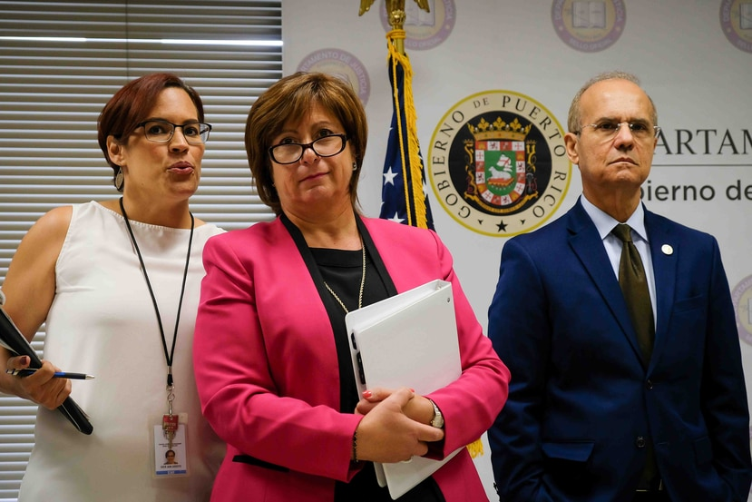 La JSF, cuya directora es Natalie Jaresko (izq.), señaló que la UPR, presidida por Jorge Haddock Acevedo (der.) ha fallado en implementar medidas en nueve de once áreas de planes fiscales pasados. (GFR Media)
