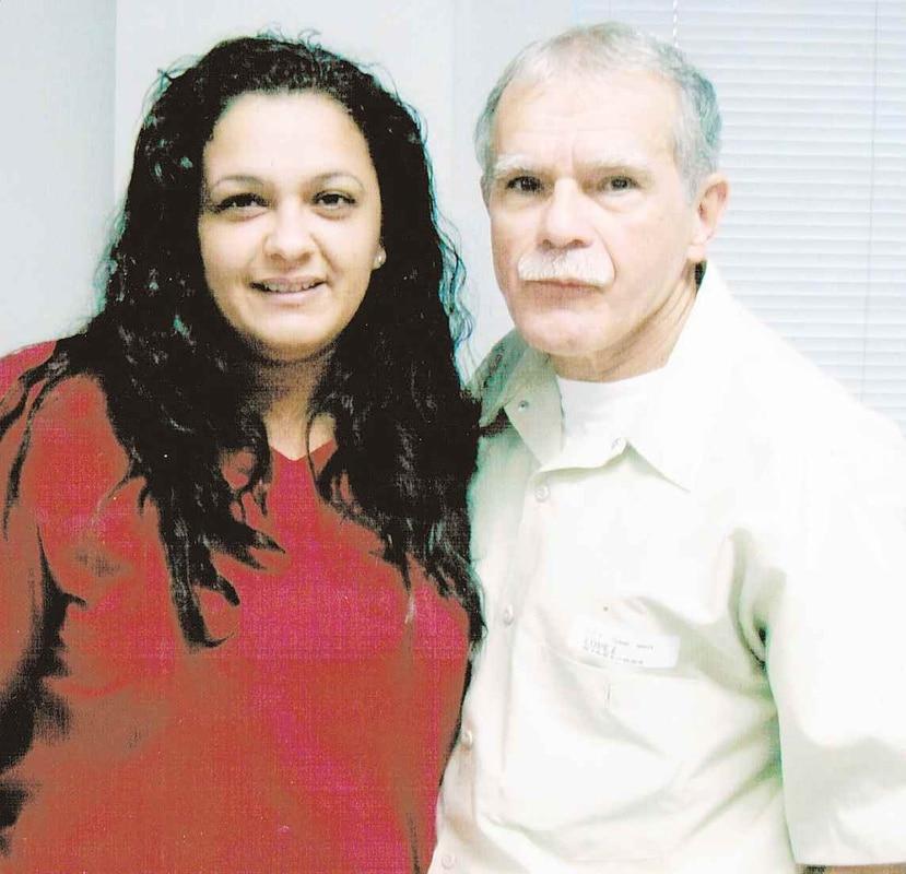 Clarisa junto a su padre Oscar López Rivera. (GFR Media)