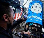 Coinbase protagoniza un debut histórico en la bolsa en Wall Street