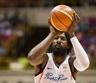 John Holland vistió el uniforme de Puerto Rico por última vez en la última ventana de FIBA el pasado febrero. (GFR Media)