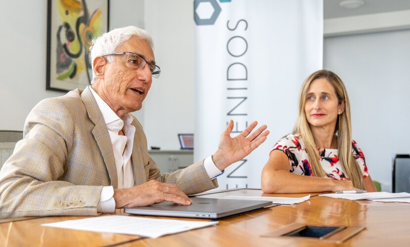 Jon Borschow, fundador de Foundation for Puerto Rico, y Annie Mayol, quien por cuatro años lideró la organización.