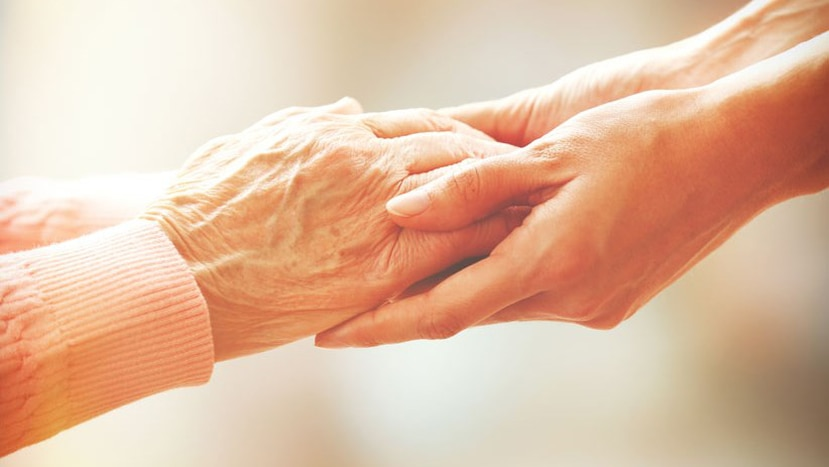 Esta virtud no debe confundirse con la empatía. En todo caso, debe comprenderse como un paso más allá.  (Shutterstock)