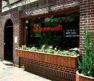 El Stonewall Inn es el lugar donde comenzaron los disturbios de 1969 que ayudaron a dar origen al movimiento de los derechos homosexuales. (Archivo / AP)