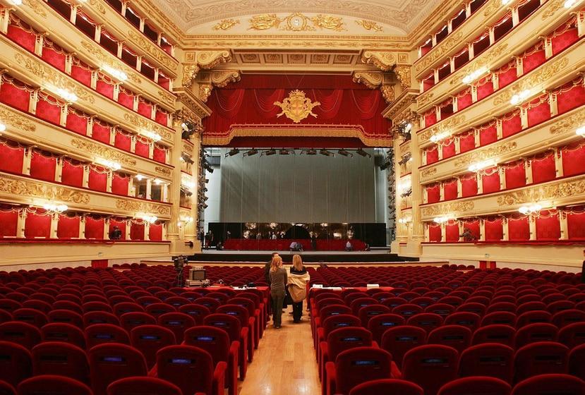 Durante esta breve temporada actuarán pequeñas formaciones con un aforo de máximo 600 personas, frente a las 2,000 que acogía La Scala antes del cierre por el coronavirus. (archivo)