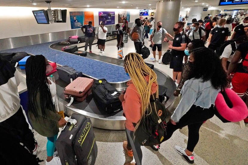 El CDC advierte a los viajeros que deben evitar viajar a destinos con alto nivel de riesgo de COVID como Puerto Rico.