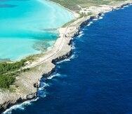 Vista aérea de una isla en Bahamas.