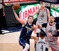 Luka Doncic arrolla a los Wizards