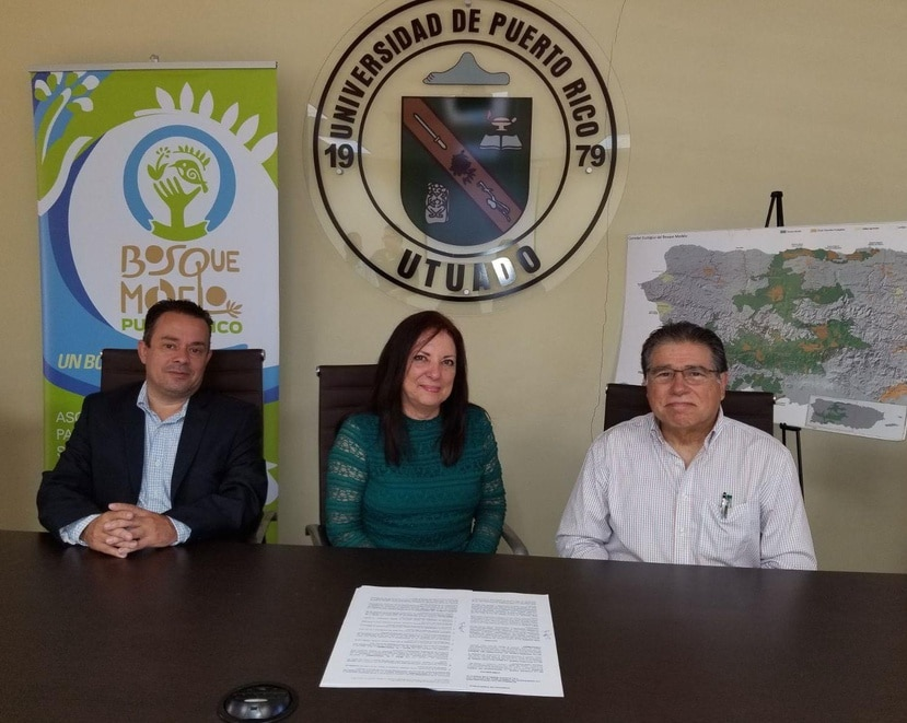 El acuerdo fue suscrito por José Heredia, Martha Quiñones y Carlos Pacheco Irizarry. (Suministrado)