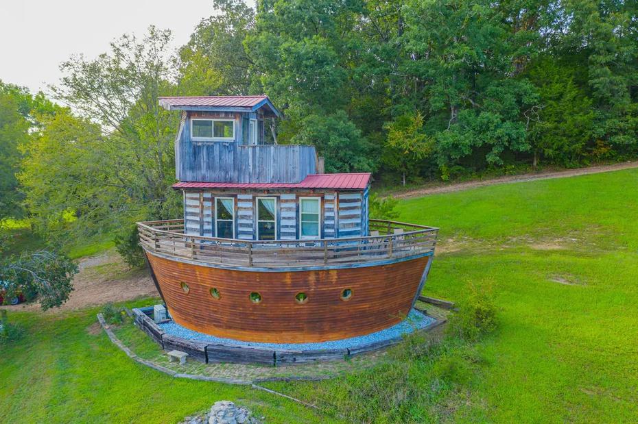 Un alojamiento de Airbnb en forma de Arca, en Tennessee.