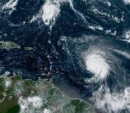 Sam mantiene vientos máximos sostenidos de 145 millas por hora.