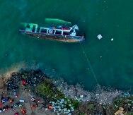 Un barco de pasajeros volcado en Liupanshui, en la provincia de Guizhou, suroeste de China.