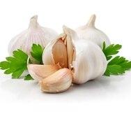 El ajo sirve para tratar infecciones respiratorias y los problemas de tos.