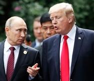 El presidente ruso Vladímir Putin (izquierda) comparte con el entonces presidente estadounidense Donald Trump.