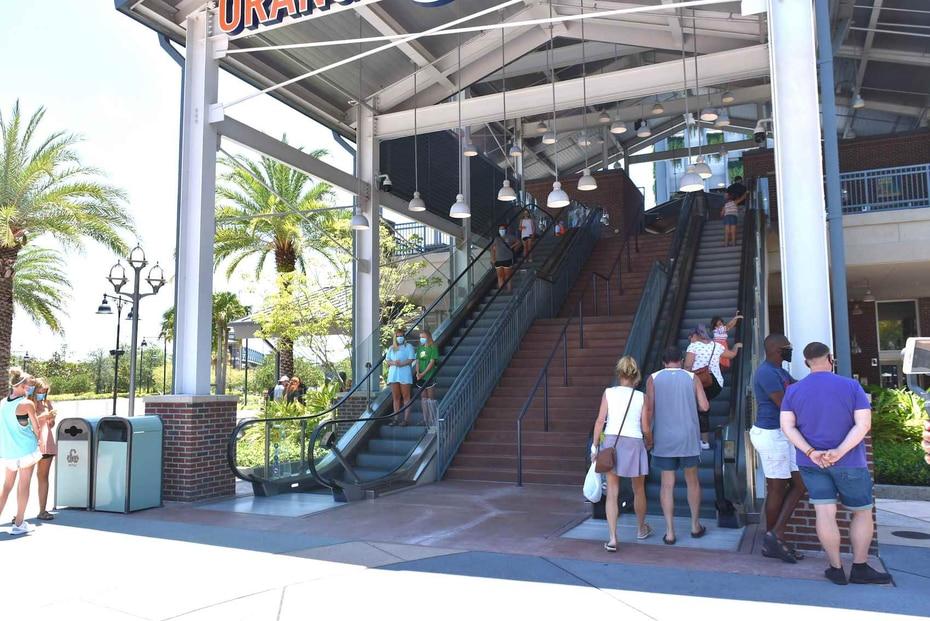 Planet Hollywood, STK Orlando, T-Rex, Wine Bar George, Boathouse y Chicken Guy, son algunos de los restaurantes que junto a numerosas tiendas están abierto. (Gregorio Mayí / Especial para GFR Media)