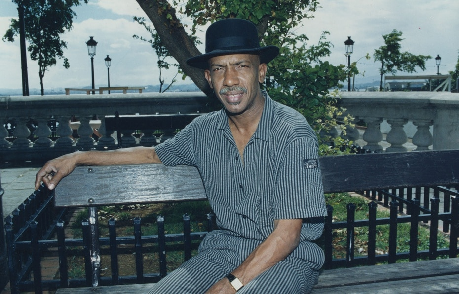 El destacado percusionista puertorriqueño Roberto Roena, fundador de la famosa orquesta salsera Apollo Sound y miembro fundador del grupo Cortijo y su Combo, falleció durante la noche del 23 de septiembre.