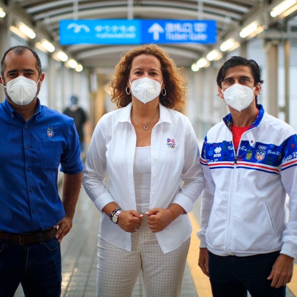 De izquierda a derecha, Fernando Olivero, director del Departamento de Alto Rendimiento; Sara Rosario, presidenta del Copur; y Víctor Ruiz, vicepresidente del Copur.