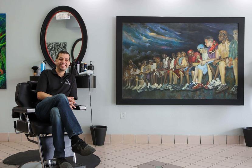 Ángel Iván Rivera Morales, artista y dueño de New Concept Barbershop and Art Gallery.