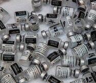 El director ejecutivo de Pfizer, Albert Bourla, dijo que esperan entregar 1,000 millones de dosis este año y otro tanto el año próximo.