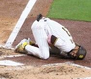 El estelar jugador de los Padres, Fernando Tatis Jr., sufrió la lesión el lunes tras completar un swing.