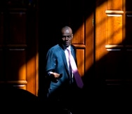 Fotografía de archivo del 7 de febrero de 2020 del presidente de Haití, Jovenel Moïse, llegando para una entrevista en su casa en Petion-Ville, un suburbio de Puerto Príncipe, Haití.