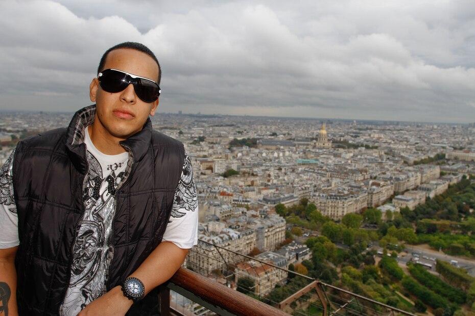 Aparte de los numerosos éxitos que ha logrado en su larga carrera, algo que distingue al reguetonero boricua Daddy Yankee es el cutis terso y con aspecto juvenil que mantiene a sus 43 años.