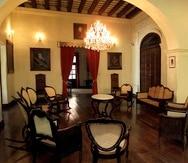 El Palacio Arzobispal es una de las pocas casas del siglo XVIII que subsisten sin intervenciones mayores que hayan alterado su disposición interna.