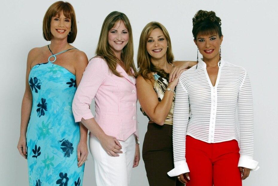 En julio de 2004, junto a otras mujeres anclas de la televisión como Cyd Marie Fleming (TeleOnce), Gloria Soltero (WIPR) e Ivonne Solla (Telemundo).
