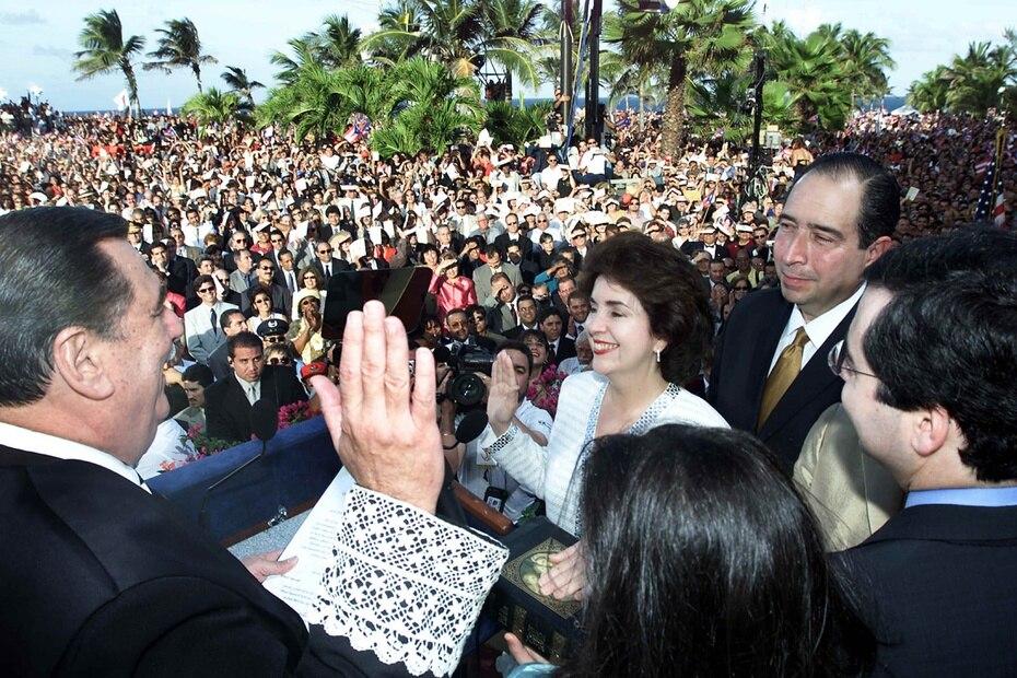 Sila María Calderón Serra - 2001 a 2005: Calderón Serra fue la primera y, hasta el momento, la única mujer en ser electa a la gobernación. Fue, además, la alcaldesa de San Juan y secretaria de Estado, del 1988 a 1989. (GFR Media)