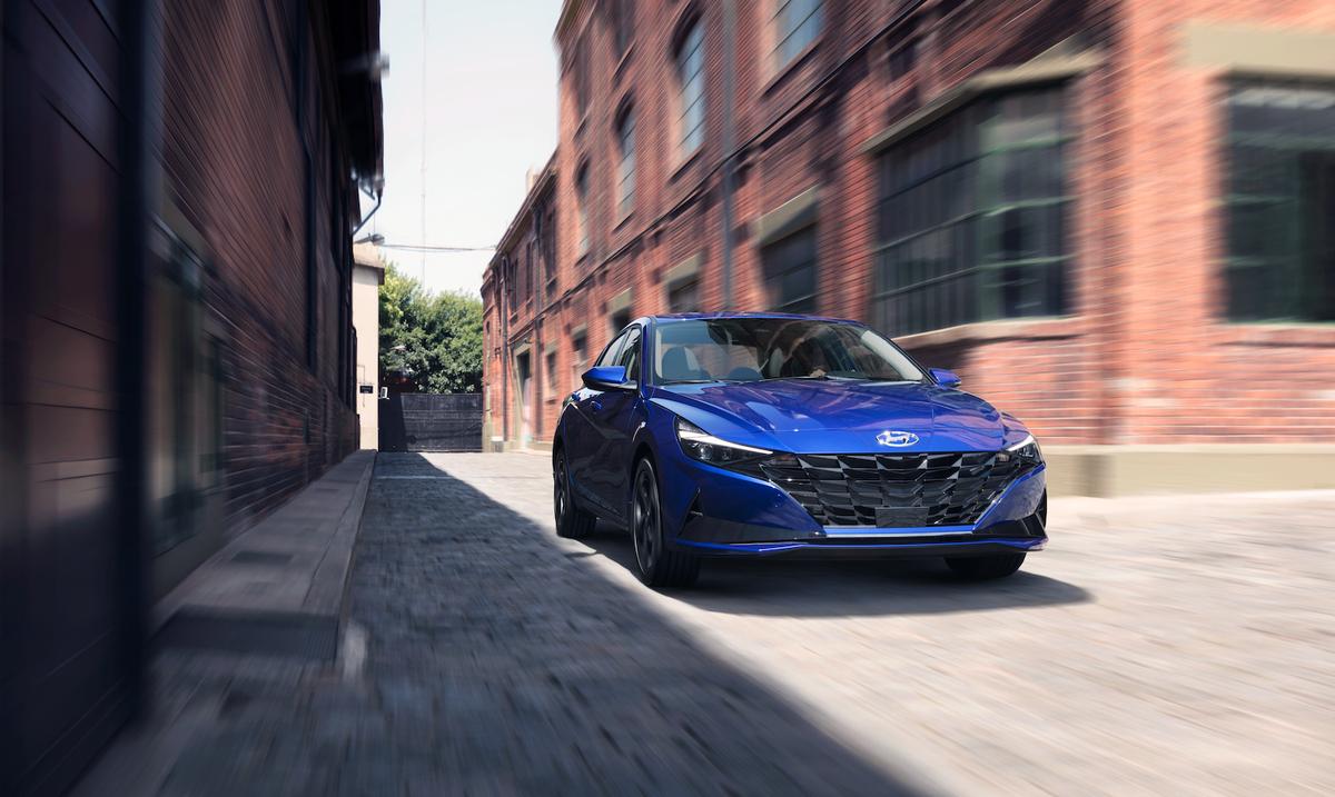"""Hyundai lanza el nuevo Elantra 2021 con un """"unboxing"""""""
