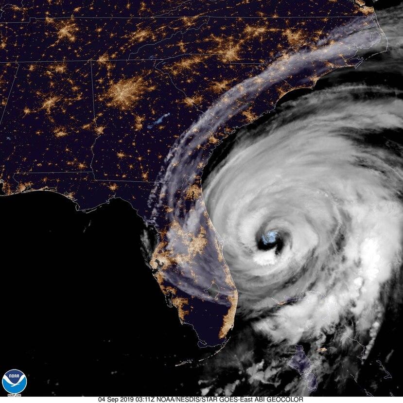 El huracán Dorian tiene vientos sostenidos de 110 mph. (Satélite GOES-EAST / Noaa.gov)