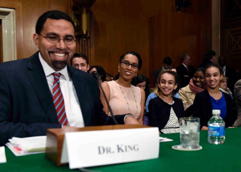 John King, de madre puertorriqueña y quien perdió a ambos padres cuando era un niño, fue asesor del secretario Duncan, pero con las funciones de subsecretario. (AP / Susan Walsh)