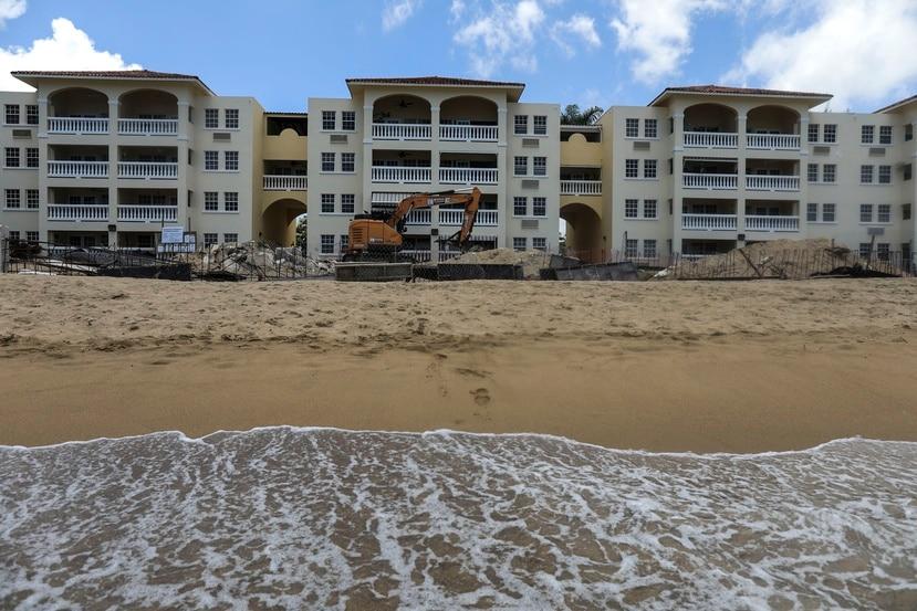El 24 de julio, ante las continuas protestas, la Junta de Directores del condominio puso en pausa la construcción.