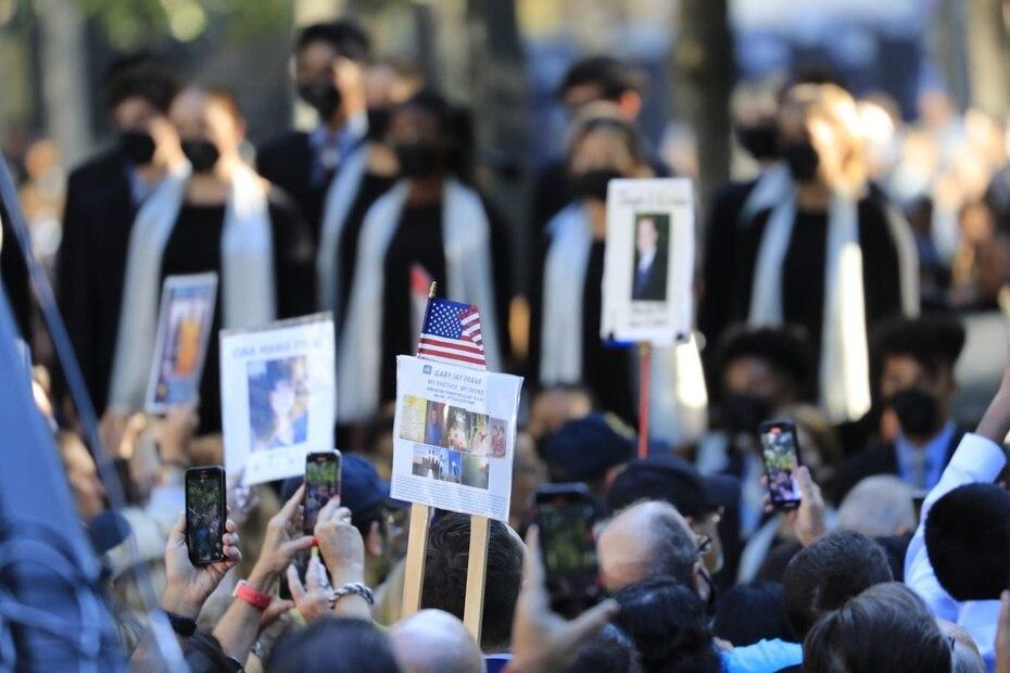 En general, fueron casi 3,000 víctimas las que fallecieron y hoy sus seres queridos continúan llorando su partida.