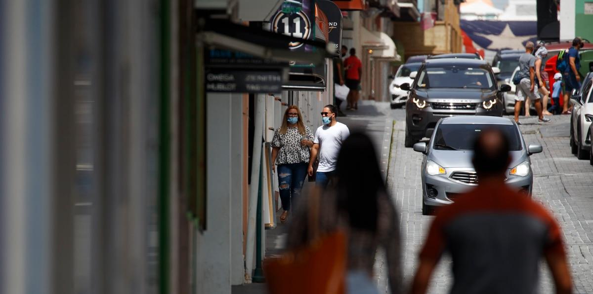 """Infectólogos comparten nueve recomendaciones """"urgentes"""" ante el repunte de contagios de COVID-19 en Puerto Rico"""