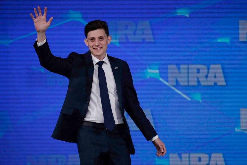Kashuv ha defendido el derecho de portar armas desde que un exestudiante irrumpió a su escuela y mató a 17 personas.(AP/Michael Conroy)