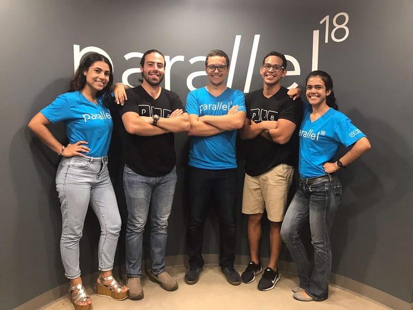 El equipo de la startup boricua BrainHi está compuesto por, desde la izquierda: María Sanabria, Rodrigo Morales, Emmanuel Oquendo, Abdiel Vega y  Diana Torres. (Suministrada)