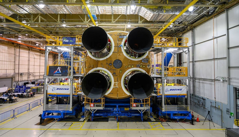 El SLS es el tanque de combustible principal más grande del mundo, y está diseñado para realizar vuelos tripulados (NASA).
