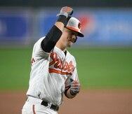 Ryan Mountcastle, de los Orioles de Baltimore, recorre las bases con su jonrón de dos carreras en la sexta entrada del juego ante los Red Sox de Boston.