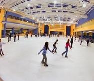 El Municipio de Aguadilla disolvió la empresa que operaba  el parque acuático Las Cascadas, el Aguadilla Ice Skating Arena (arriba) y el Aguadilla Bowling Center.