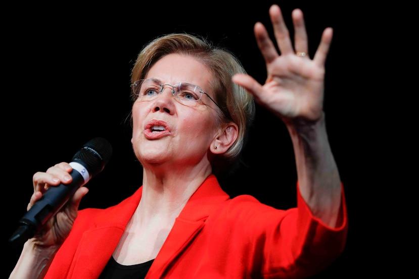 La senadora Elizabeth Warren (Massachusetts) , aspirante a la presidencia, es una de los legisladores que encabezan la petición. (AP)